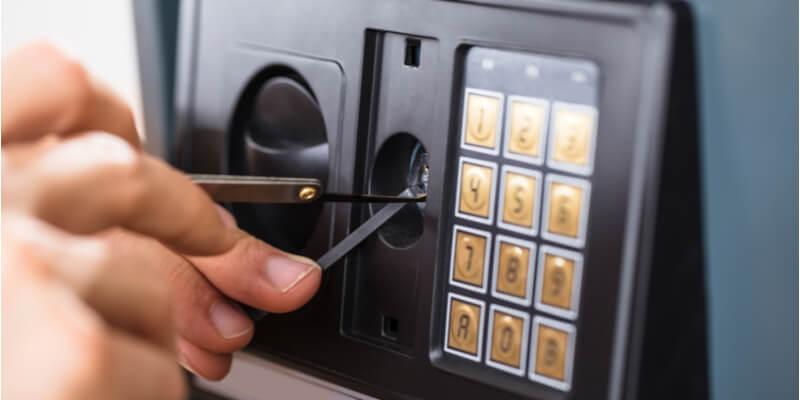 Cracking A Safe – Safes NYC