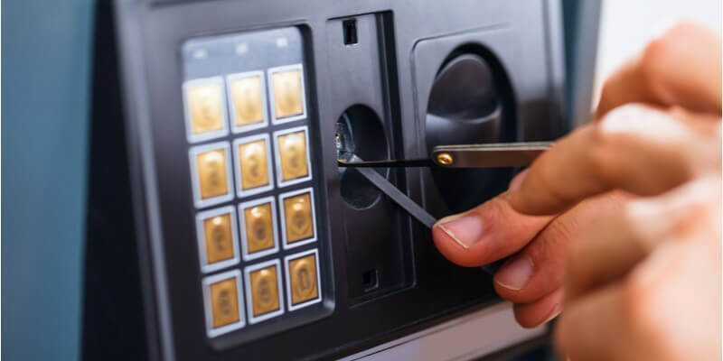 cracking a combination safe - Safes NYC